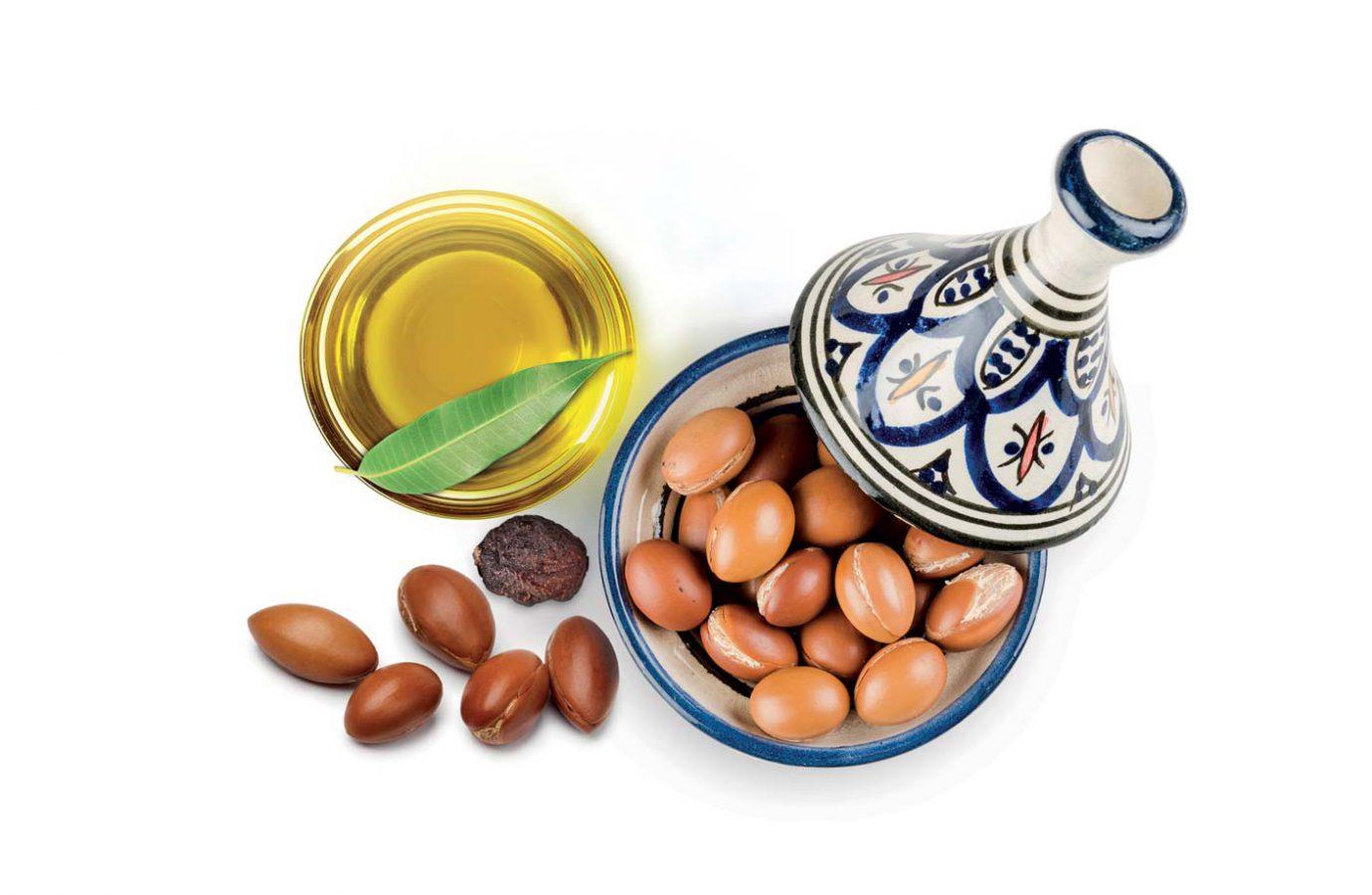 Semi e olio di argan con tajine bianca e blu usati nel packaging design di prodotti cosmetici naturali realizzato da WillBe